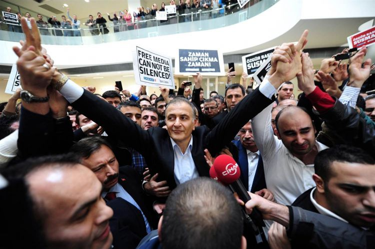 Turkish authorities seize country's largest newspaper - VIDEO