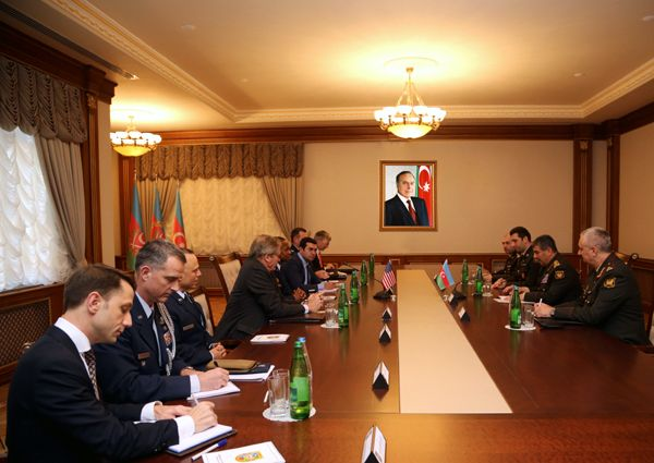 Defense Minister met with the Commander of US Transportation Command - PHOTOS