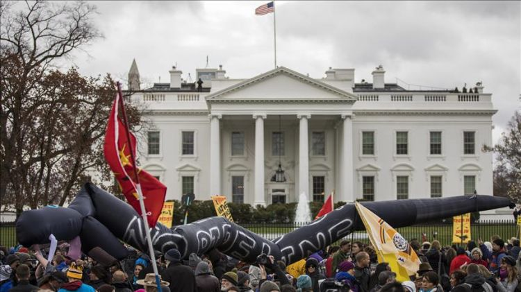 Thousands rally against Dakota pipeline in Washington