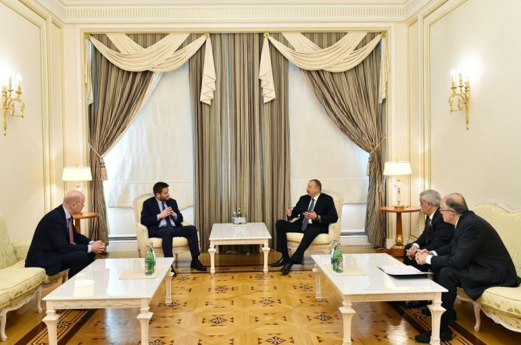 Ilham Aliyev receives BP regional president and COO