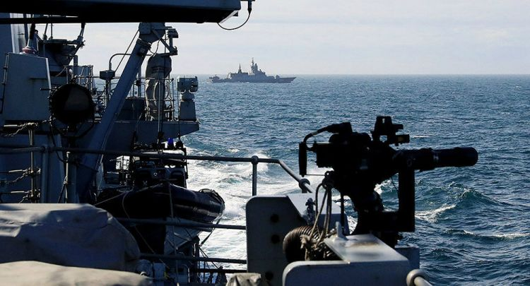 Russian Warships' Jaunt Through English Channel Sends UK Tabloids Into a Frenzy