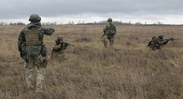 'Direct Interference': Why US Military Instructors Stay On in Ukraine's Donbass