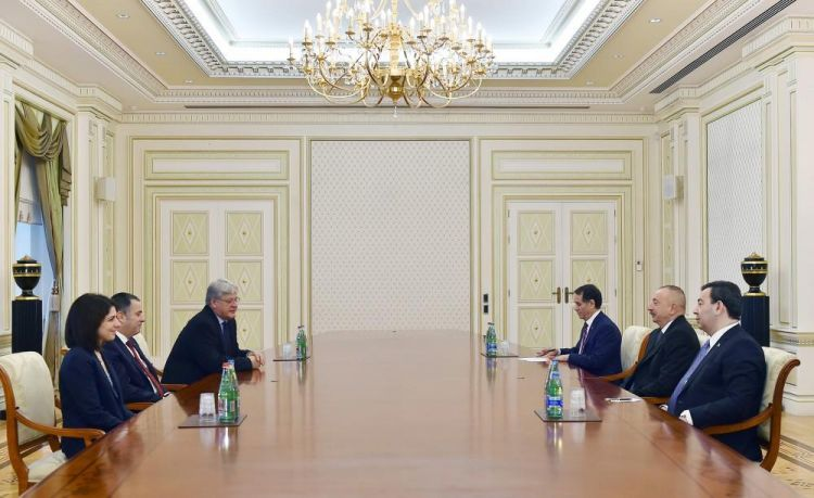 Ilham Aliyev receives PACE Monitoring Committee co-rapporteurs