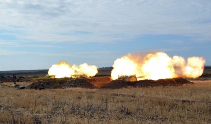 Azerbaijan Defense Ministry releases footage of live firing drills