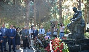 Uzeyir Hajibeyli's grave visited on the National Music Day