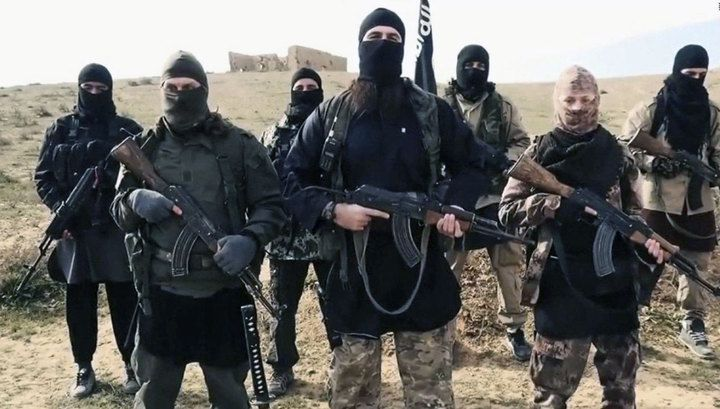 Syrian regime forces allow ISIS terrorists into Idlib