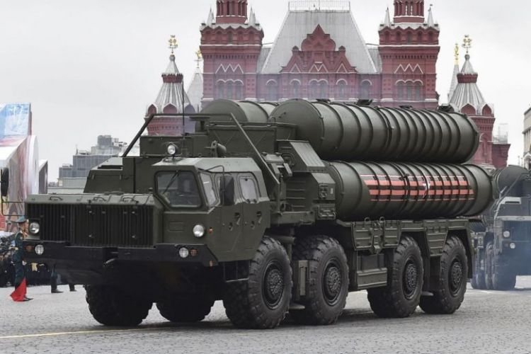 Russia deploys more surface-to-air missiles in Crimean build-up